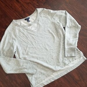 Gap sweat shirt.